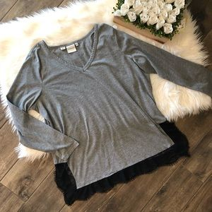 Junarose Gray V-Neck Top
